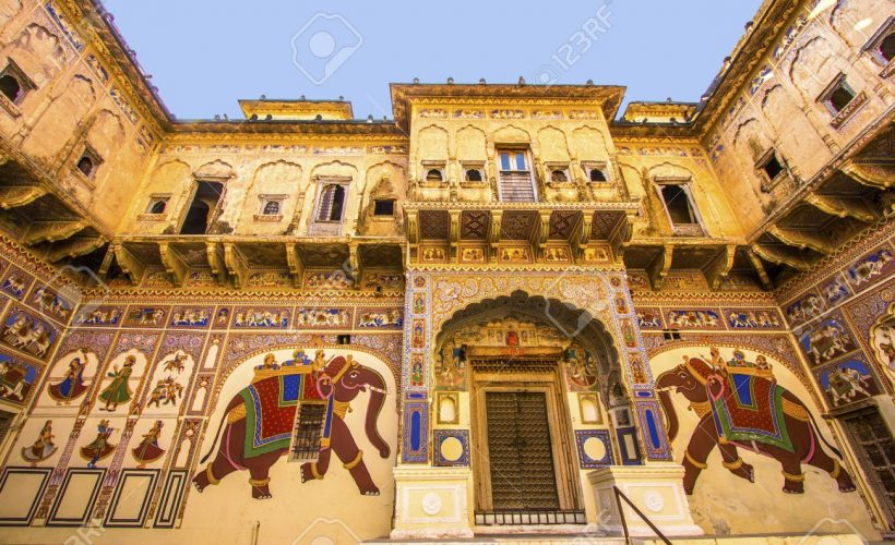 18322185-mandawa-india-oct-25-beautiful-old-haveli-on-oct-25-in-mandawa-india-rajasthan-india-the-town-referr-Stock-Photo